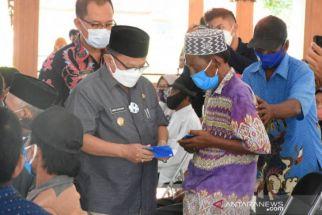 Pemkab Situbondo Salurkan Bantuan Tunai Kepada Warga Korban Bencana Alam - JPNN.com Jatim