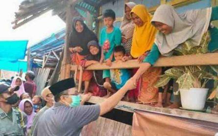 Bang Zul Sapa Korban Kebakaran di Sape Bima, Gelontor Bantuan Rp1,5 Miliar - JPNN.com Bali