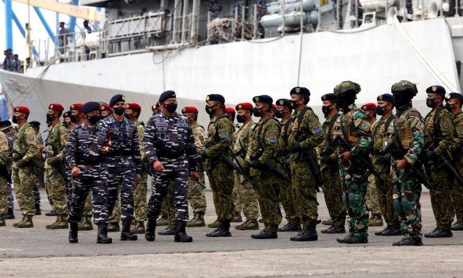 TNI Angkatan Laut Pamer Kekuatan - JPNN.com