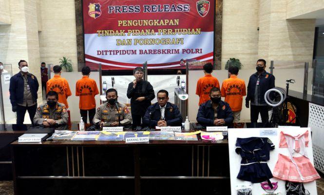 Bareskrim Polri Bongkar Kasus Judi Online dan Prostitusi - JPNN.com