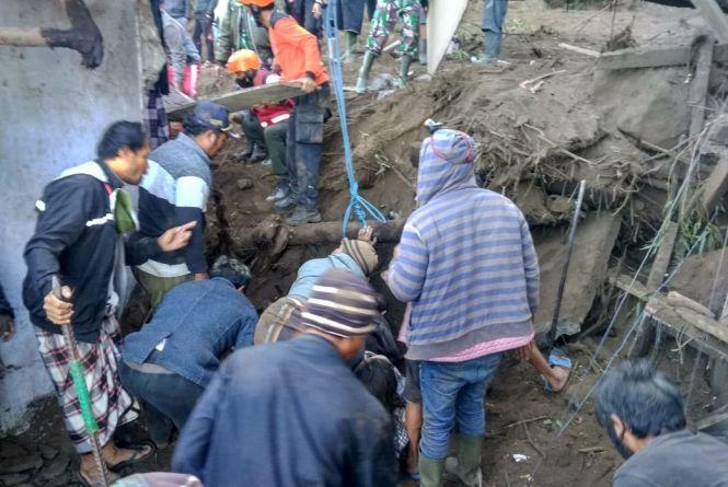 Sulitnya Tim Rescue Evakuasi Korban Gempa di Bangli; Naik Speed Boat Lewat Danau Batur